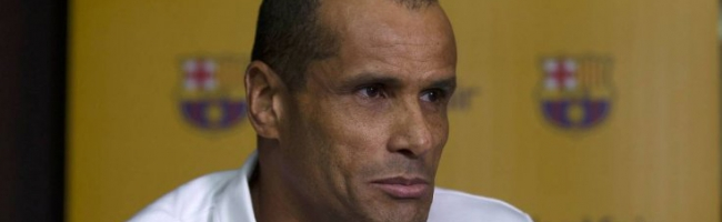 Rivaldo is not happy with Barcelona