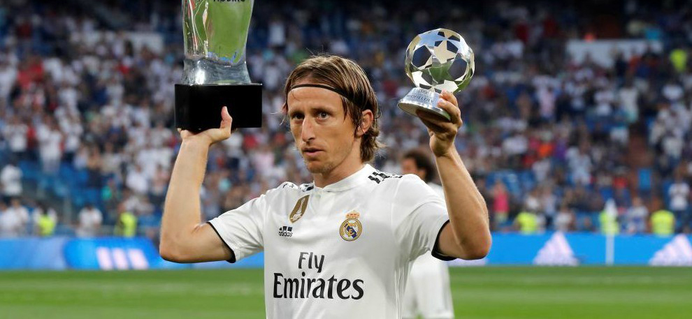 Modric signs new contract with Real